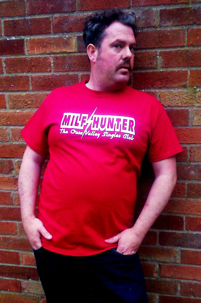 MILF Hunter - Mens T-Shirt - The Ouse Valley Singles Club